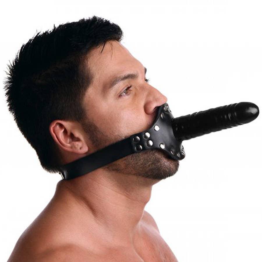 бдсм маска с страпоном тому